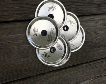 Regular Mouth Mason jar lids/glitter dipped tumbler lids/lids with grommets/grommets in straws/Multiple colors available/Regular Mouth Lids