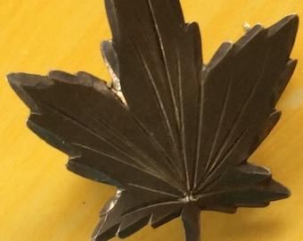 Sale - Vintage Leaf Pin Brooch