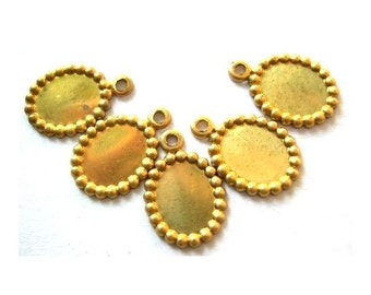 7 Vintage metal cabochon setting for dangling beads and pendant 11mm