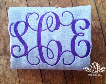 Monogrammed sweatshirt for women, monogram sweatshirt, crewneck sweatshirt, Monogrammed gift, gift for her, gifts under 25