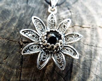 Flower Pendant Sterling Silver 925 Black Onyx Handmade Necklace Jewelry