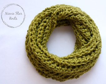 Crochet Infinity Scarf, Crochet Cowl, Crochet Neckwarmer, Chunky Crochet Scarf, Chunky Crochet Cowl // The MYRIN
