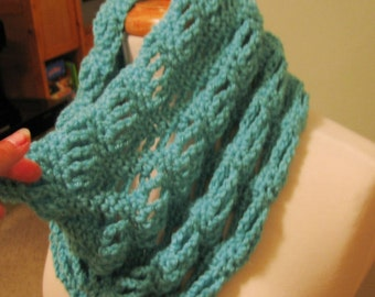 PATTERN C-061 / Crochet Pattern / Ruby Cowl ... worsted 175 yds