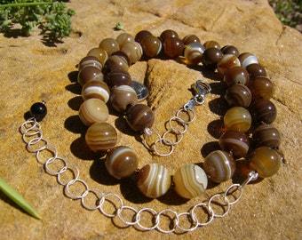 Agate Necklace - Milk Chocolate and Cream