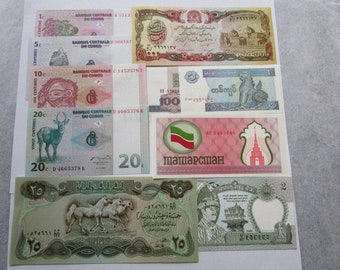 Vintage World Currency Foreign Paper Money  Lot 10 Banknotes Total Grades between Almost Uncirculated and Uncirculated Collect Currency Note