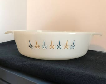 Anchor Hocking Fire-King 1.5 qt CandleGlow Casserole dish