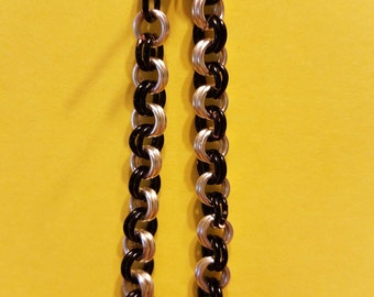 "6"" Black and Silver Chain Maille Bracelet"