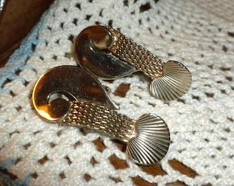 Vintage Art Nouveau Gold Tone Earrings Clip On