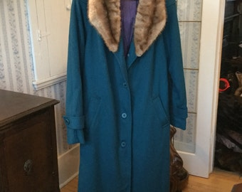 SPRING SALE! Classy vintage women's turquoise wool coat with mink collar (A153)