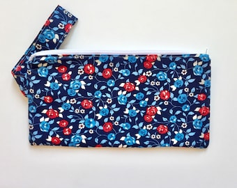 Patriotic Wristlets / Zipper Wrist Pouch / Wrist Purse / Lined Pouch / Independence Day Bag / Gifts for Her / Handmade Bag / Handmade Gifts