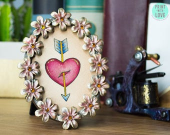 """MINI Framed Original Watercolor Vintage Tattoo Flash Painting Art Heart and Arrow Valentine in Oval Enamel Flower Frame 4"""" - FREE SHIPPING"""