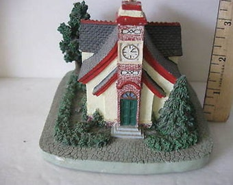 Santa's Best Christmas New England Traditional Church  Hand Painted CL7-34