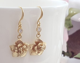 Gold Flower Earrings Dangle - Matte Gold Bridal Earrings - Gold Wedding Jewelry - Golden Anniversary Gift - Maid of Honor Gift for Her E5504