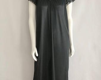 Vintage Sleepwear Women's 70's Black, Night Gown, Lace, Full Length by Berklife (L)