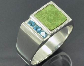 Gaspeite Inlay Silver Ring with Swiss Blue Topaz Channel Set Stones