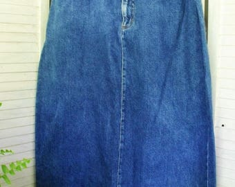 Vintage Denim Skirt with Fringe Hem/ Size 16 1990's Denim High Waist Skirt/ Jeans Style Retro Denim/ Shabbyfab Thrifted Funwear