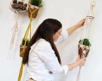 Macrame plant holder. Chunky Hanging planter. Double Hanging Flowerpot Holder Hanger.