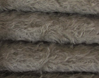 Quality 325S/C - Mohair - 1/6 yard (Fat) in Intercal's Color 913S-Pewter. A German Fur Mohair Fabric for Teddy Bear Making, Arts & Craft