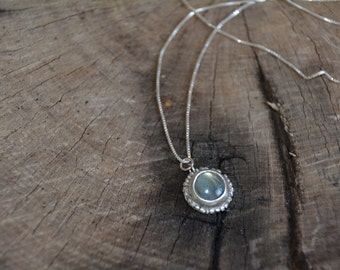 Labradorite necklace, green gemstone necklace, antique necklace, birthstone necklace, delicate pendant necklace, gift for mom silver