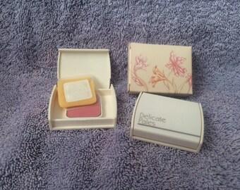 Vintage Avon Delicate Pales Puff On Powder Blush Sunkissed Peach New in Box 1984