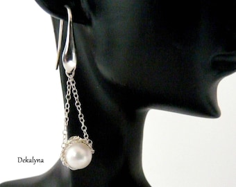 Silver earrings long and Freshwater Pearl-made crochet