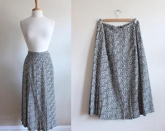 Vintage White & Black Daisy Silk Midi Skirt