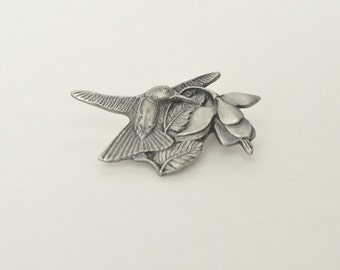 1995 96 Birds & Blooms Hummingbird Pewter Small Brooch Pin Premiere Edition