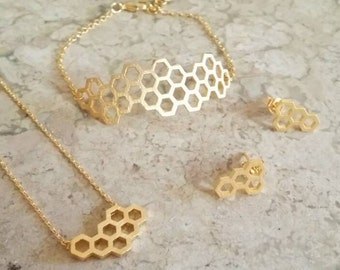 Gold jewelry set, beehive jewelry, hexagon stud earrings, hexagon jewelry set, mother's day gift, gift for aunt, trio set, jewelry set gifts