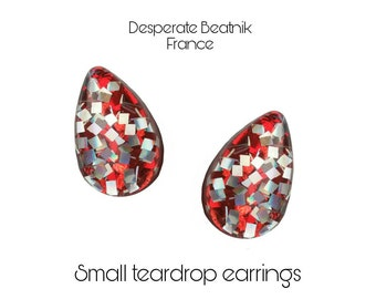Small posts earrings : red and silver confetti lucite teardrop handmade earrings