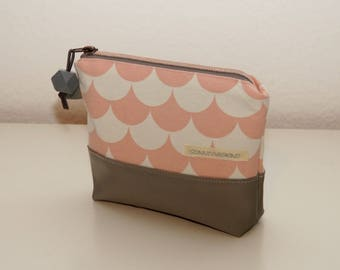 make-up bag, makeup bag, make up bag, cosmetic bag, cosmetic pouch, makeup pouch, make up pouch, make-up pouch