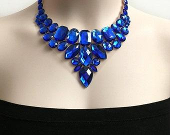 Strass collier de bavoir bleu saphir