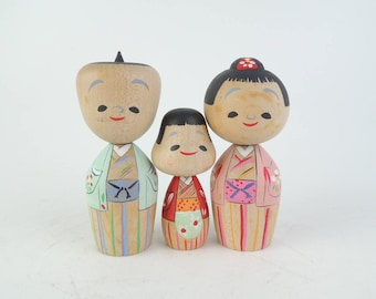 Vintage kokeshi doll, set of 3