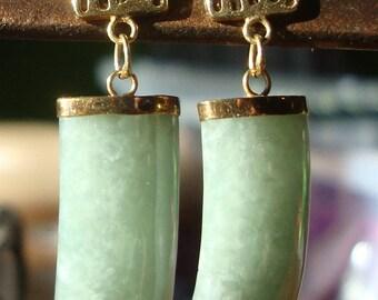 Vintage 14KT Hong Kong Apple Green Jade Panel Dangle Earrings E1021