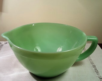 Vintage Jadeite Mixint Bowl with Spout and Handle by Fire King