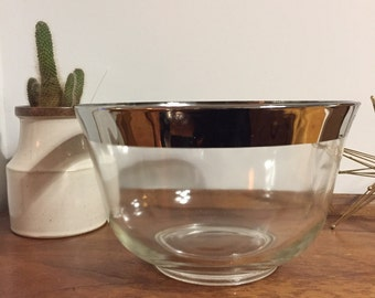 Vintage Silver Rimmed Glass Serving / Punch Bowl - Dorothy Thorpe Style 1950s Mad Men Mid Century Modern Large Bowl with Thick Rim