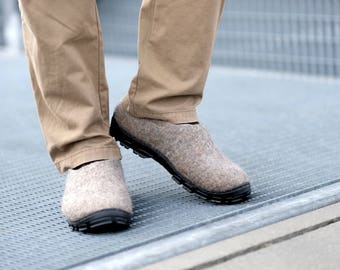 Eco Friendly Men Wool Shoes felt wool Outdoor shoes Beige clog boots with Rugged Rubber Soles - Handmade shoes for Men