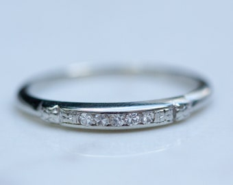 Vintage 18k Solid White Gold Floral Detail Diamond Wedding Band Stacking Band Anniversary Thin Band, Size 6.5