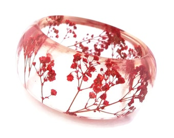 Size Medium Red Resin Bangle.  Pressed Flowers.  Red Baby's Breath. Contemporary Botanical Jewelry. Personalized Engraved Gift. Personalized