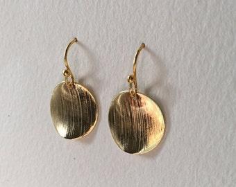 Wavy, Brushed Disc Earrings, 18K Gold Filled Earrings, 18K Gold filled disc Earrings, Dainty Simple Disc Earrings