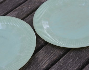 Well Worn JADITE Vintage FIRE KING Oven Glass ... Set Of 2 Snack Plates