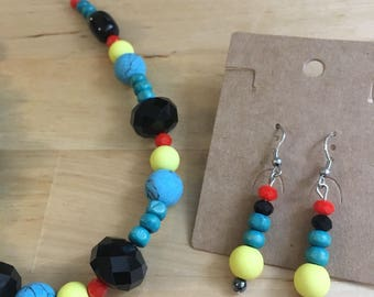 Set - Beaded necklace & earrings