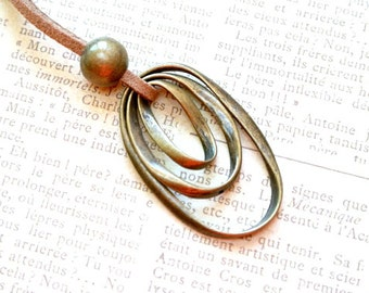 Triple oval loops necklace gift for her-Long oval pendant necklace-Simple necklace-Everyday necklace-Delicate necklace-Best friend gift