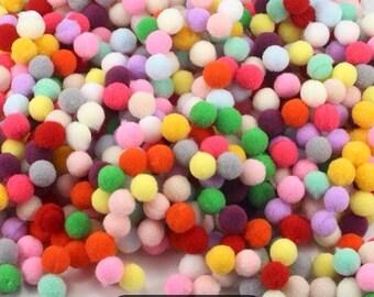 100 pom poms colored felt