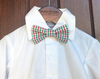 Red and Green Plaid Bowtie, Little Boy Christmas Bowtie, Red Plaid Christmas Bow Tie, Child Christmas tie, gingham bowtie, red green bow tie