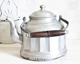 Large Vintage French Aluminum Kettle || Industrial Home Decor - Country style - French Farmhouse