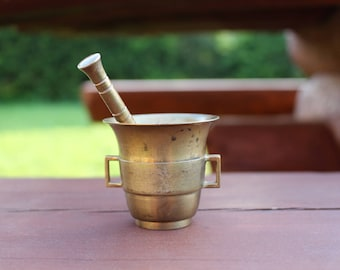 Brass mortar and pestle Antique brass mortar with pestle Mechanical grinder Brass kitchen decor Small mortar and pestle Vintage mortar