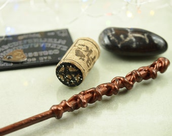 Witch accessory - Magic wand - Wizard wand - Witchcraft & wizardry -  Wiccan altar decor - Pagan art - Spells - Unique gift for friend
