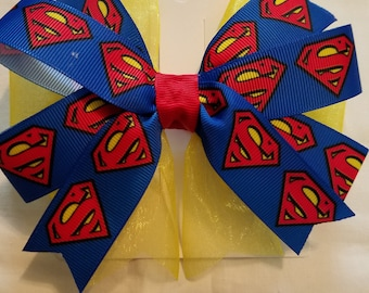 Large Superman bow.