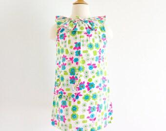 "Vintage 1960s Girls Size 6X Dress / Kickaway Ruffle Shift Dress NWT / b28 L23"" / Cotton Hot Pink Apple Green Teal Floral Mod Print"