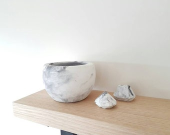 Raw Concrete Bowl / Planter